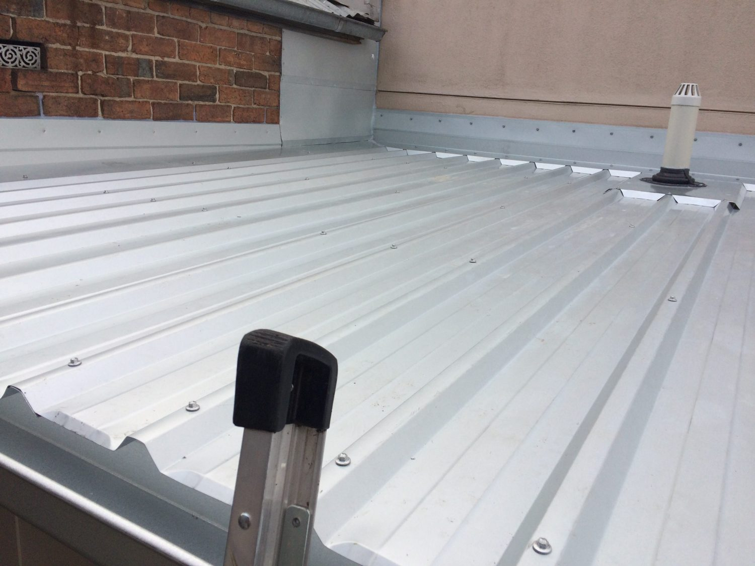 Flat metal roof replacement, Geelong